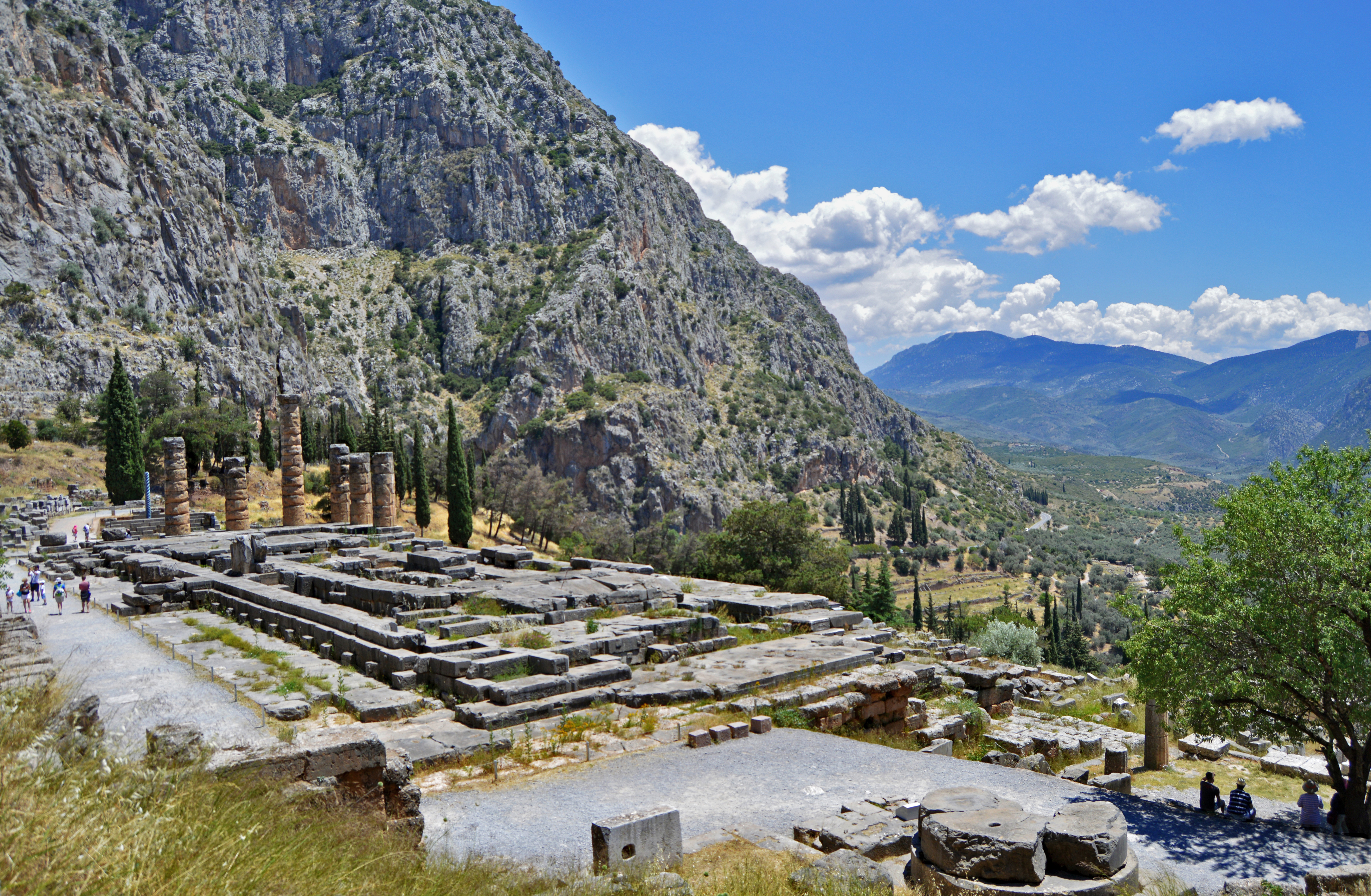 an overview of the greek mythology of the deity dionysus The greek gods the major deities ruled from atop of mount olympus in northern greece zeus, king of the gods, preferred this area because it proved to be a visual vantage point to observe the actions of mortals.